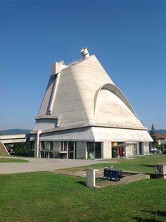 Église Saint-Pierre Le Corbusier a Firminy un site unique en Europe @Marion Johnstone Johnstone Richez