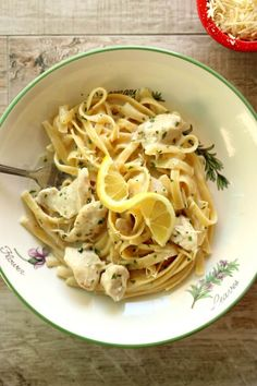 Instant Pot Parmesan Lemon Pasta--a creamy dreamy lemon-y sauce that envelopes fettuccine noodles. You can add chicken breast or leave it meatless, it's up to you. This dinner takes just minutes to make with your electric pressure cooker.