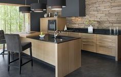 Cuisine Morel : Trouvez L& Küchen Design, House Design, Deco Design, Design Moderne, Home Interior, Interior Design, Black Countertops, Kitchen Dinning, Zen Kitchen