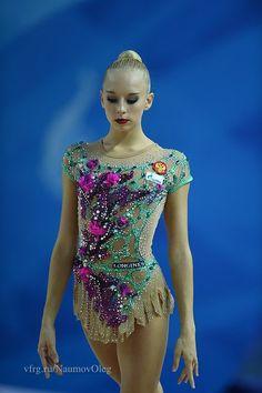 Rhythmic Gymnastics Costumes, Rhythmic Gymnastics Training, Gymnastics Competition Leotards, Gymnastics Photos, Ballet Leotards For Girls, Dance Leotards, Figure Skating, Sexy Body, Anastasia