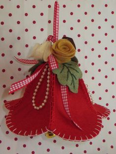1 million+ Stunning Free Images to Use Anywhere Handmade Christmas Decorations, Christmas Ornament Crafts, Felt Decorations, Holiday Ornaments, Christmas Projects, Holiday Crafts, Felt Ornaments Patterns, Felt Crafts Patterns, Felt Flowers