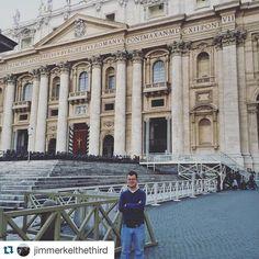 #Repost @jimmerkelthethird In #Rome- the empire is long gone but the splendor remains #Roma #VaticanCity #Italy #Italia #CittaDelVaticano #StPetersSquare #amainerinitalia #ispyapi #apiabroad #studyabroad