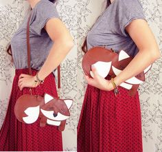 Large Grayson the Fox Cute Vintage Inspired Brown Vinyl Side Strap Clutch Purse Bag