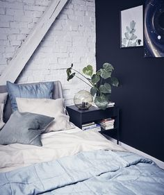 A monochrome and modern loft apartment – IKEA Black And Grey Bedding, Black Bed Linen, Bedroom Black, Modern Loft Apartment, Minimal Apartment, Ikea Fado, Bed Linen Australia, Painted Beds, Bed Linen Design