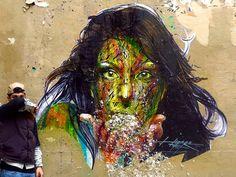 Chi è Hopare #streetart #urbanism #art #theurbaneye #streetartproject - Alexandre Monteiro aka Hopare è un artista di origini franco-portoghesi che lavora soprattutto a Parigi. Con un mix tra l'astratto ed il figurativo mette in evidenza un mondo dinamico ed il suo rapporto con la città, grazie all'energia vitale che sembra animare le sue opere. Le creazioni di Hopare sono tutte progettate da una geometria perfetta abbinata ad