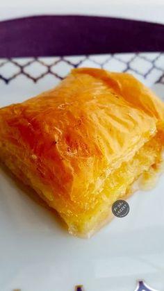 Kolay Laz Böreği East Dessert Recipes, Turkish Recipes, Ethnic Recipes, Turkish Kitchen, Iftar, Sweet Recipes, Deserts, Food And Drink, Cooking