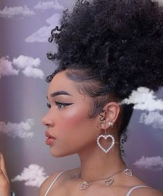 I have not been feeling great lately :p Baddie Hairstyles, Pretty Hairstyles, Braided Hairstyles, Girls Natural Hairstyles, Hair Inspo, Hair Inspiration, Curly Hair Styles, Natural Hair Styles, Pelo Afro