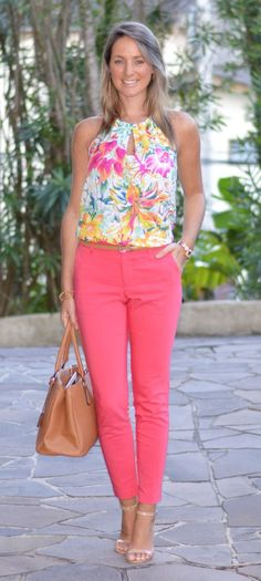 Coral pants with print top Summer Work Outfits, Office Outfits, Cool Outfits, Casual Outfits, Spring Outfits, Fashion Outfits, Womens Fashion, Moda Casual, Casual Chic