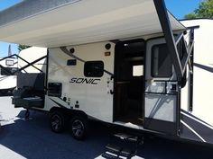 2017 Venture RV Sonic SN220VRB Plainville Massachusetts