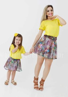 What's the angle? Mother Daughter Pictures, Mother Daughter Matching Outfits, Mother Daughter Fashion, Mommy And Me Outfits, Mom Daughter, Matching Family Outfits, Kids Outfits, Mother Daughters, Black Kids Fashion