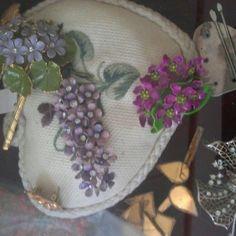 Cuscino Jewels, Vintage, Jewelry, Gemstones, Jewlery, Vintage Comics, Jewerly, Gems, Primitive