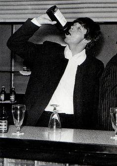 Beatlemaníaca desde eu ainda me surpreendo com fotos incríveis dos Beatles [e que eu NUNCA tinha visto na vida]. Beatlemaniac since I am still surprised by incredible pictures of the Beatles [and that I had NEVER seen in my life]. Beatles Love, Les Beatles, Beatles Photos, Beatles Songs, My Love Paul Mccartney, Linda Mccartney, Great Bands, Cool Bands, June Bug