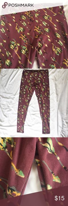 LuLaRoe TC Arrow Leggings LuLaRoe TC Arrow Leggings! Worn a couple of times and laundered to LLR's specifications. Minimal wear and piling on inner upper thigh area! Fits sizes 10-20! LuLaRoe Pants Leggings
