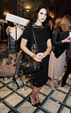#fashion-ivabellini Visual Fashionist: Lana Del Rey alla sfilata di Mulberry AII 13/14, cambio di look: in o out?