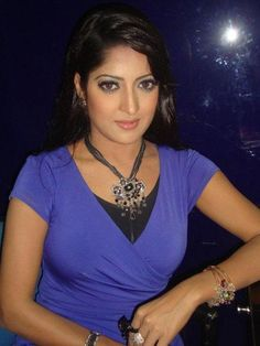 Humaira Himu is a Bangladeshi popular model and actress who comes to the timeline around the country when she appeared in the movie 'Amar Bondhu Rashed'. Pori Moni, Popular Actresses, Indian Heritage, Hottest Photos, Biography, Desi, Husband, Glamour, Actors