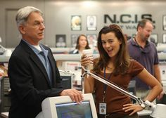 Behind the scenes with Gibbs and Ziva - NCIS Photo (9462157) - Fanpop