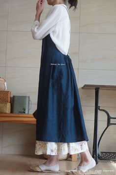 Apron Dress, I Dress, Old Fashion Dresses, Simple Dress Pattern, Cute Aprons, Apron Designs, Dress Tutorials, Mom Outfits, Fashion Story