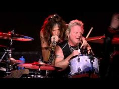 Aerosmith - Livin' on the Edge (LIVE) - YouTube