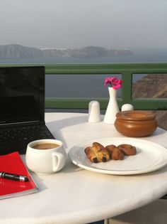 Writer's Retreat Greece- Best Cafes for Writers, Bloggers & Students