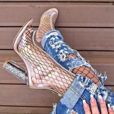 Clear Heels, Clear Rain Boots, Heeled Boots, Shoe Boots, Transparent Heels, Booties Outfit, Heels Outfits, Winter Fashion Outfits, Outfits