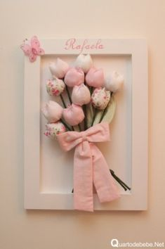 quadro de flores para quarto bebe