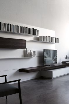Wall-mounted storage wall LOAD IT by Porro | #design Piero Lissoni