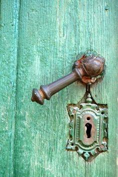 color + handle + skeleton key lock