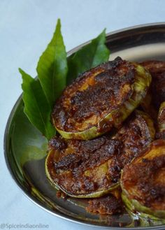Brinjal fry or Brinjal coins is one fancy pan fried version of regular brinjal fry. Just cut them into circular discs. you may use any type of Brinjal, eggplant or chines . Veg Dishes, Vegetable Dishes, Vegetable Recipes, Vegetarian Recipes, Cooking Recipes, Side Dishes, Vegetarian Cooking, Spicy Recipes, Drink Recipes