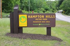 Summit Metro Parks, Hampton Hills Park Entrance Sign. Made with King ColorCore® in a custom color brown/yellow/brown.