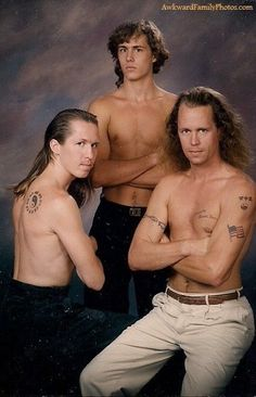 All people want their family photos in their album but after watching these 29 most awkward family photos you will shock and laugh out loud. Check out funny family awkward pictures that will make your day. Funny Family Photos, Best Funny Photos, Funny Pictures For Kids, Funny Kids, Fail Pictures, Bad Photos, Hilarious Photos, American Funny Videos, Funny Cat Videos
