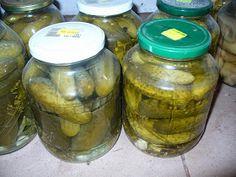 Przepisy i porady kulinarne: Przepis na ogórki konserwowe. Halloumi, Pickles, Cucumber, Mason Jars, Food, Essen, Mason Jar, Meals, Pickle