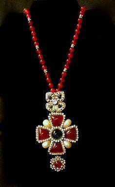CHANEL BIJOUX FANTASIES (Fashion or Cistume jewelry) - Gripoix and Rhinestone Necklace