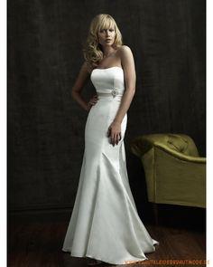 2013 Schulterfreie Brautmode aus Satin verzierter Rücken und bodenlanger Rock mit kurzer Schleppe