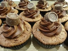 Chocoladecake - krokante hazelnootvulling - zachte chocolade ganache