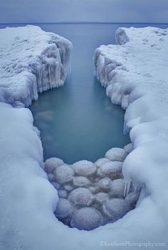 Lake Michigan ... ice balls!-2014