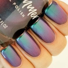 Mermaid Nails: Ideas, Instructions, and Inspirations for your Mer-Fabulous Nails! Chrome Nail Polish, Holographic Nail Polish, Chrome Nails, Swag Nails, My Nails, Color Change Nail Polish, American Nails, Mermaid Nails, Nail Patterns