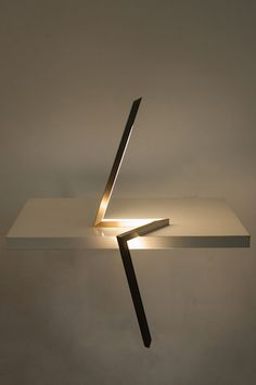 Mydriaz / Roches / 2014 / Polished or Brushed Brass, Plexiglass, LED / Courtesy Galerie Mouvements Modernes