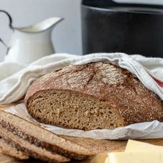 Pataruisleipä | Maku Finnish Recipes, Bread Baking, Bread Recipes, Banana Bread, Smoothies, Bakery, Rolls, Food And Drink, Desserts