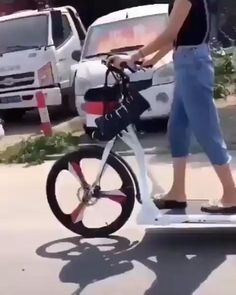 Cool Gadgets To Buy, Gadgets And Gizmos, New Gadgets, Electronics Gadgets, Velo Design, Bicycle Design, Walking Bicycle, Velo Cargo, New Technology Gadgets