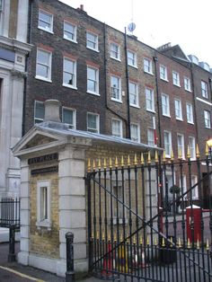 Explore our London neighbourhood of Hatton Garden, Clerkenwell and Holborn within walking distance of the City of London. See British history in the UK capital. Tudor History, British History, Uk Capital, London Neighborhoods, Hatton Garden, Ely, London City, Palace, The Neighbourhood
