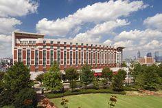 Embassy Suites by Hilton Atlanta Centennial Park Atlanta City, Atlanta Hotels, Atlanta Usa, Centennial Olympic Park, Georgia Aquarium, Last Minute Hotel Deals, Embassy Suites, Park Hotel, Top Hotels