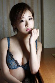 [WPB-net] NO.167 神室舞衣 Kamuro Mai 《男をダメにする女》 写真集_第19(4)张图