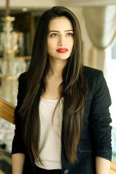 Sana knows how to slay and she never leaves a question for critics. So, take a look at Sana Javed Biography and many other exciting stuff. Pakistani Models, Pakistani Girl, Pakistani Actress, Pakistani Dresses, Bollywood Actress, Beautiful Celebrities, Beautiful Actresses, Stylish Girls Photos, Female Stars