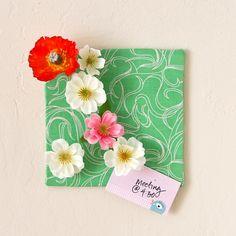 Pretty Petals: DIY Flower Push Pins