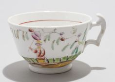Pair-Antique-London-Shape-English-Porcelain-Tea-Cups-Chinoiserie-Clobbered