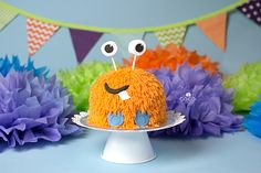 Little Monster Smash Cake by The Cake Mom &  Co. (photo by Coco Captures)
