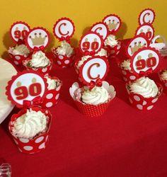 topper para cupcake Amor no Papel  www.amornopapel.com.br  Mais modelos de toppers personalizados em scrapbook Amor no Papel em www.elo7.com.br/toppers/al/55B17