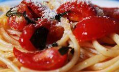 spaghetti al pomodorino del Piennolo di Mario Avallone