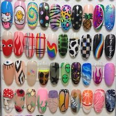 Discovered by ♡Meet The Beatles♡. Find images and videos about nails on We Heart It - the app to get lost in what you love. Edgy Nails, Aycrlic Nails, Funky Nails, Stylish Nails, Swag Nails, Soft Grunge Nails, Grunge Nail Art, Neon Nail Art, Funky Nail Art