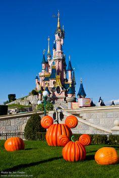 Welcome to Halloween at Disneyland Paris